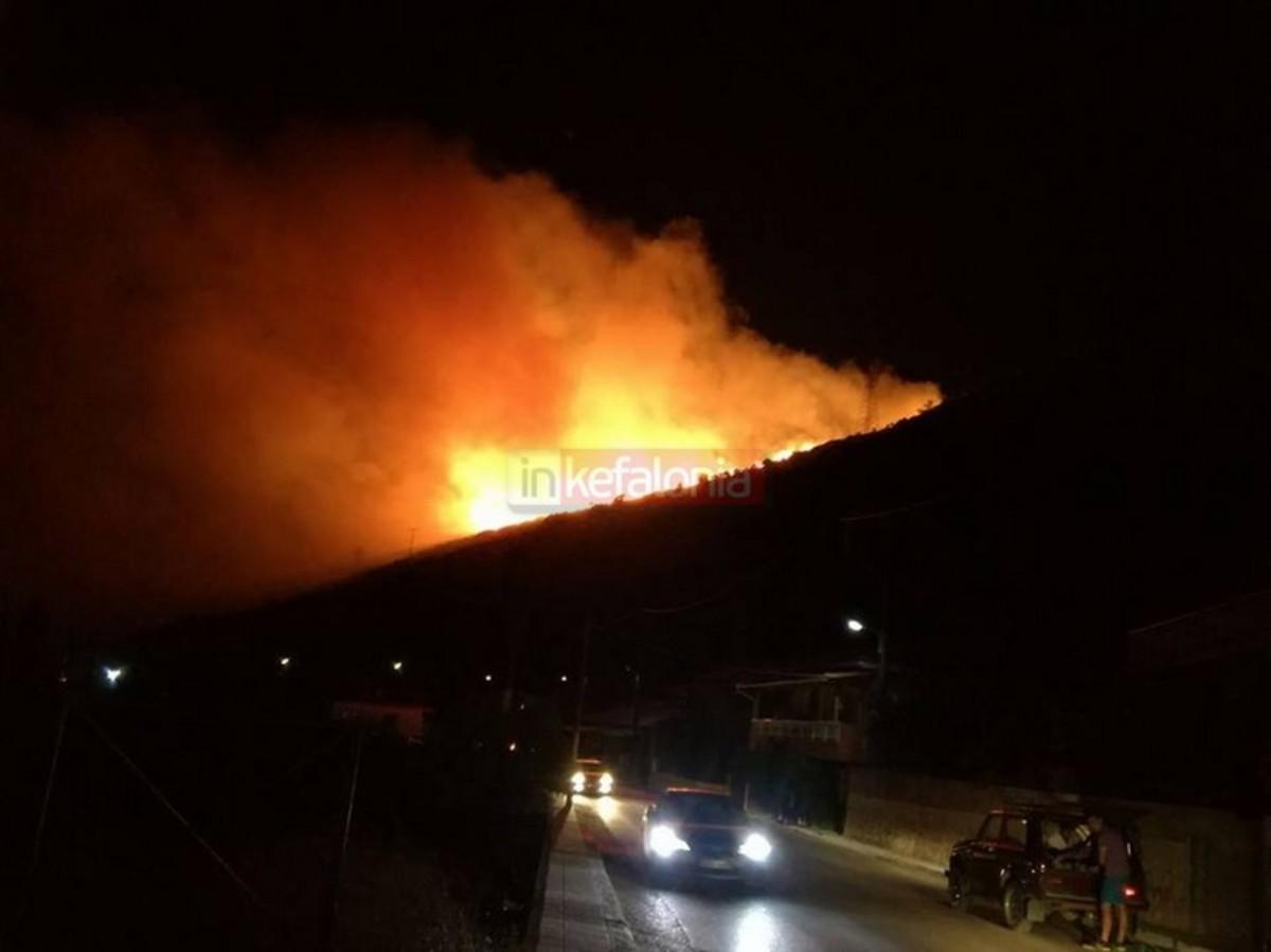 Φωτιά στην Κεφαλονιά: Σε ύφεση το μεγάλο μέτωπο | Newsit.gr