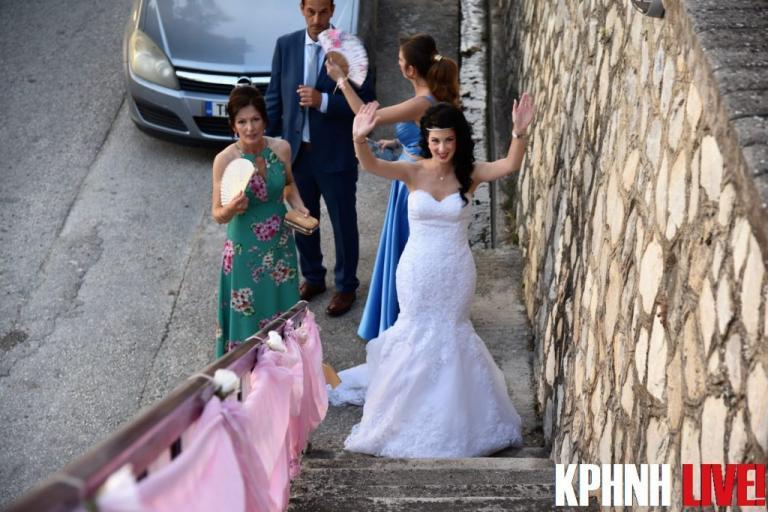 Τρίκαλα: Οι πόζες της νύφης και το σχέδιο του γαμπρού σε ένα γάμο με ιδιαίτερες εικόνες [pics, vid]