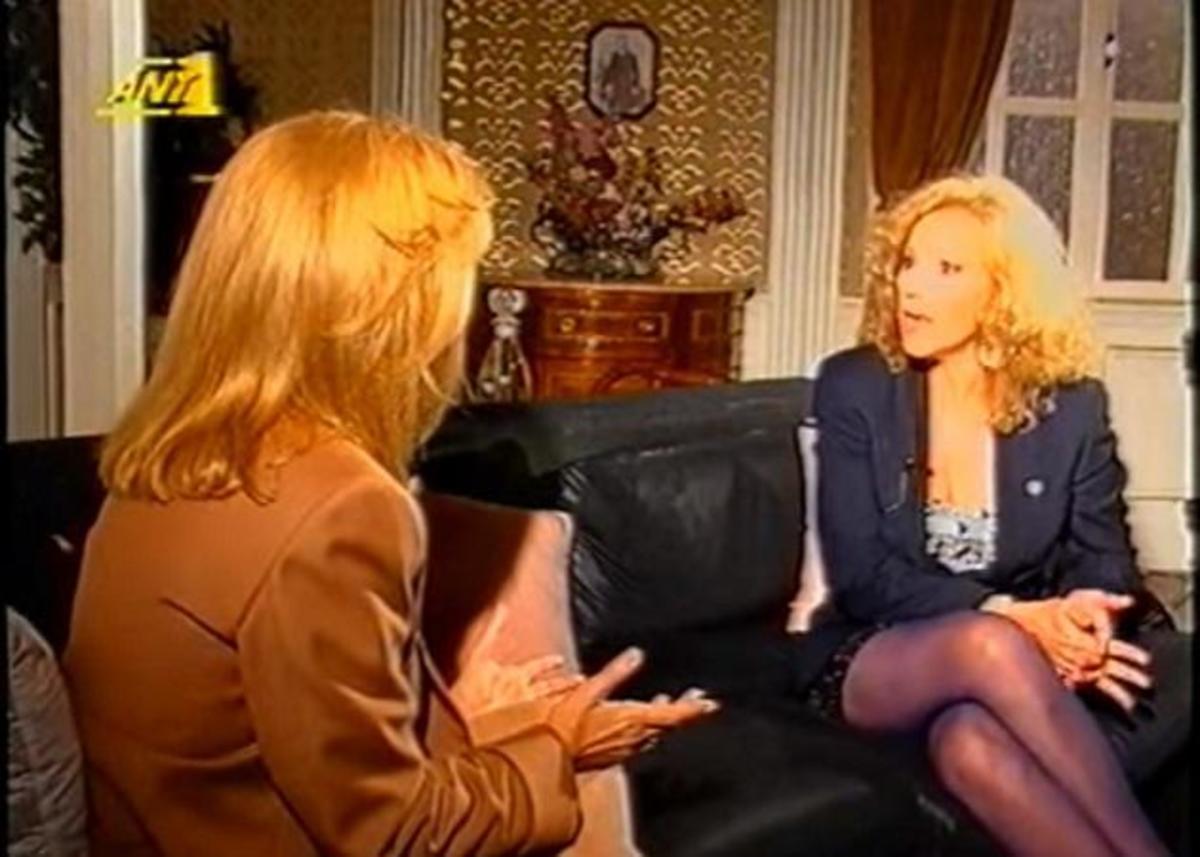 Όταν η Αλίκη Βουγιουκλάκη πήρε συνέντευξη από την Ζωή Λάσκαρη! Βίντεο | Newsit.gr