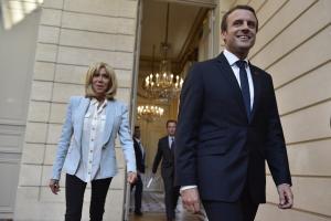 Οι Γάλλοι δεν θέλουν για Πρώτη Κυρία την Μπριζίτ Μακρόν