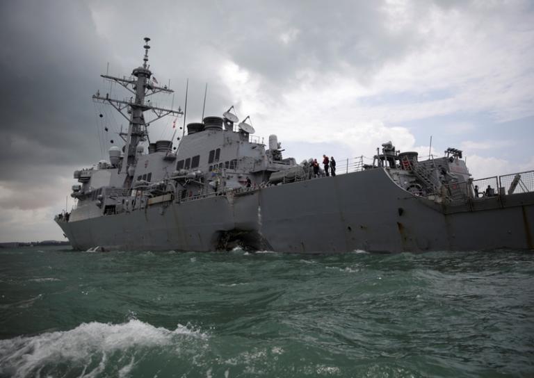 Αντιτορπιλικό USS John S. McCain: Βρέθηκαν νεκροί αγνοούμενοι ναυτικοί | Newsit.gr