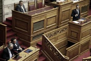 Μετωπική για την οικονομία στη Βουλή