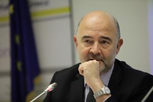 """Μοσκοβισί: """"Σκάνδαλο"""" το δημοσιονομικό πρόγραμμα της Ελλάδας"""