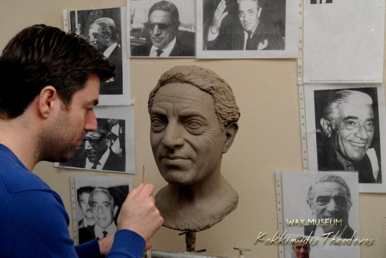 Αριστοτέλης Ωνάσης: Κέρινο ομοίωμα του Έλληνα κροίσου [pics] | Newsit.gr