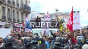 Μεγάλη διαδήλωση εναντίον Μακρόν και Τραμπ στο Παρίσι [vids]