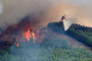 Φωτιά στην Κεφαλονιά: Διπλό μέτωπο