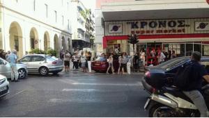 Πάτρα: Σύγκρουση ΙΧ με ταξί [pic]