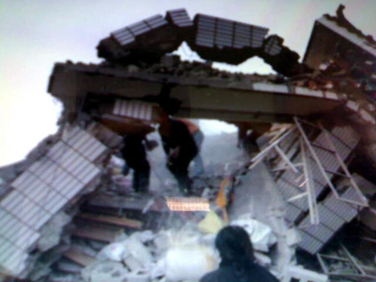 Θιβέτ: Ανέσυραν 900 ζωντανούς από τα συντρίμμια! | Newsit.gr
