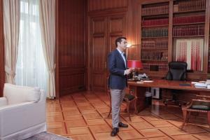 Associated Press: Η έκδοση του ελληνικού ομολόγου αποτελεί ορόσημο στην έξοδο από τα μνημόνια