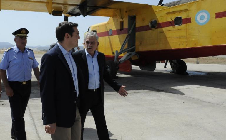 Στη «φωλιά» των Canadair ο Α. Τσίπρας | Newsit.gr