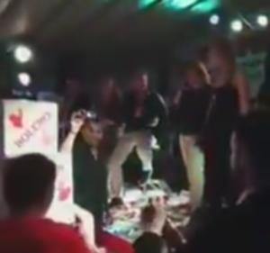 Τρίκαλα: Μεράκλωσαν και άνοιξαν στα μπουζούκια ένα βουνό από σαμπάνιες [vid]
