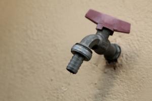 Χωρίς ρεύμα και νερό πολλές περιοχές της Ρόδου