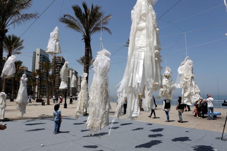 Κατάργησαν τον νόμο «παντρέψου τον βιαστή σου» στον Λίβανο | Newsit.gr