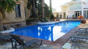 Μπαράζ φορολογικών ελέγχων στα ξενοδοχεία όλης της χώρας