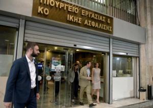 Ράνια Αντωνοπούλου: Μειώνονται τα ποσοστά ανεργίας των νέων – Φρένο στο brain drain