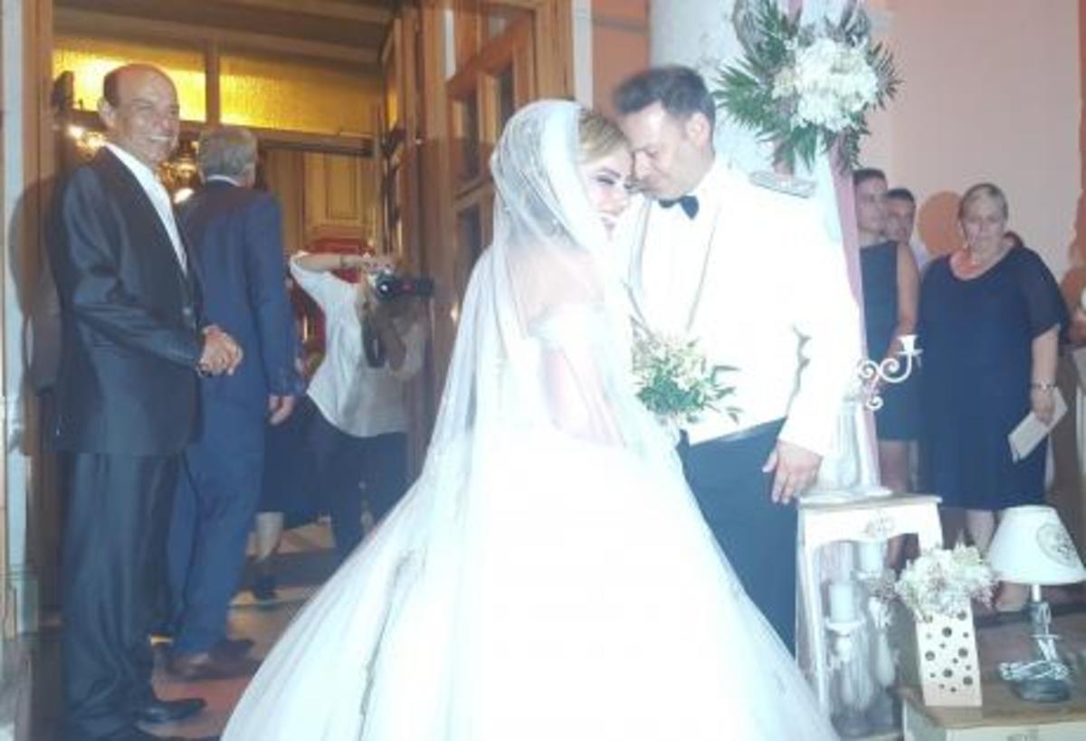 Πάτρα: Γάμος με απρόοπτα – Η καθυστέρηση του γαμπρού και η ανατροπή στο γλέντι [pic, vid] | Newsit.gr