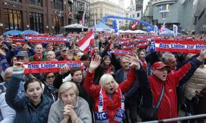 Αυστρία: Ανοιχτή η »πόρτα» της κυβέρνησης στους ακροδεξιούς