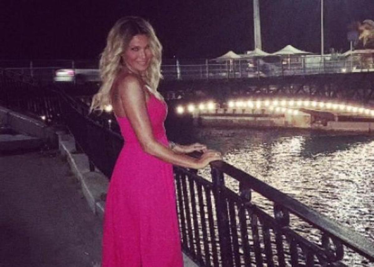Aγγελική Ηλιάδη: Το νέο look μετά το χωρισμό, οι φήμες για εγκυμοσύνη και τα παιχνίδια με τους γιους της! [pics,vid] | Newsit.gr