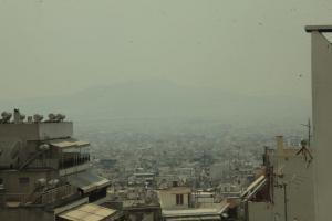 Έτσι φαίνεται η φωτιά από το κέντρο της Αθήνας! [pics]
