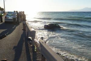 Αυτοκίνητο έπεσε στη θάλασσα στο Κερατσίνι – Ανασύρθηκε ο οδηγός