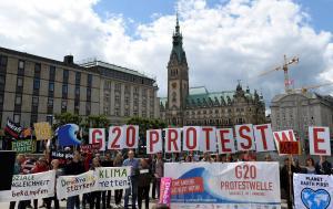 Χιλιάδες διαδήλωσαν ενάντια στη σύνοδο κορυφής της G20 στο Αμβούργο [pics]