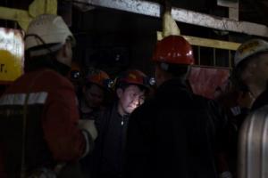 Εννέα ανθρακωρύχοι παραμένουν παγιδευμένοι στη Γιακουτία – Διασώθηκαν 142