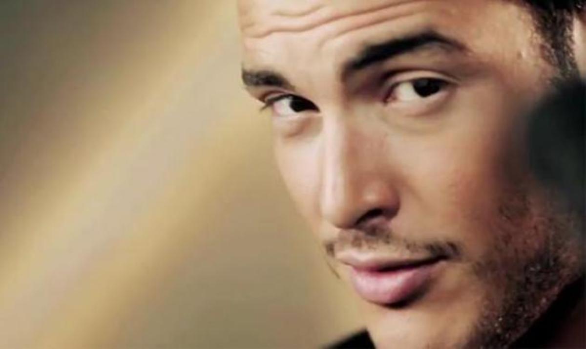 Σάκης Αρσενίου : Δες το videoclip του νέου του τραγουδιού! | Newsit.gr