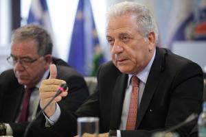 Αβραμόπουλος: Ανεπίκαιρος ο κανονισμός του Δουβλίνου