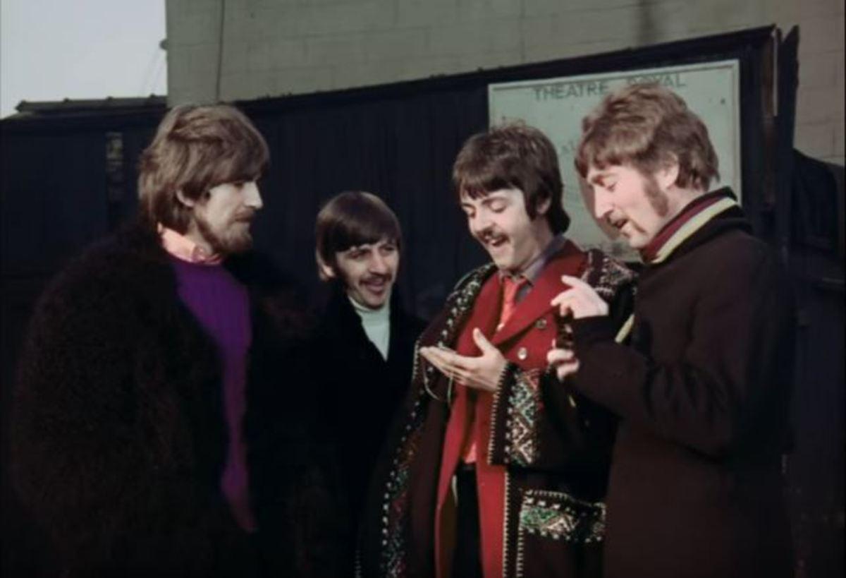 Στο σφυρί η χειρόγραφη παρτιτούρα του τραγουδιού των Beatles «Eleanor Rigby» | Newsit.gr