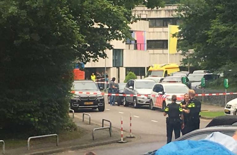Έληξε η ομηρία σε ραδιοφωνικό σταθμό στην Ολλανδία [pics, vid] | Newsit.gr