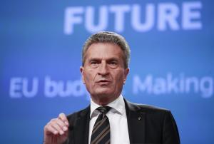Στην Ελλάδα τη Δευτέρα ο Ευρωπαίος Επίτροπος για τον προϋπολογισμό