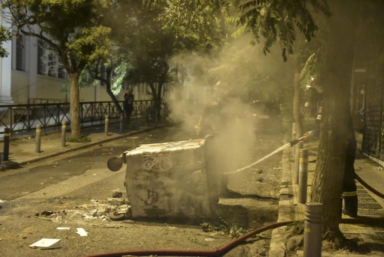 Πέτρες και μολότοφ ξανά στα Εξάρχεια | Newsit.gr
