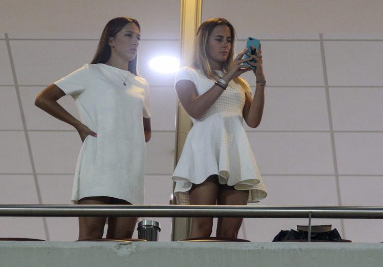 Ολυμπιακός – Ριέκα: Όμορφες και σέξι παρουσίες στο «Γ. Καραϊσκάκης»! [pics] | Newsit.gr