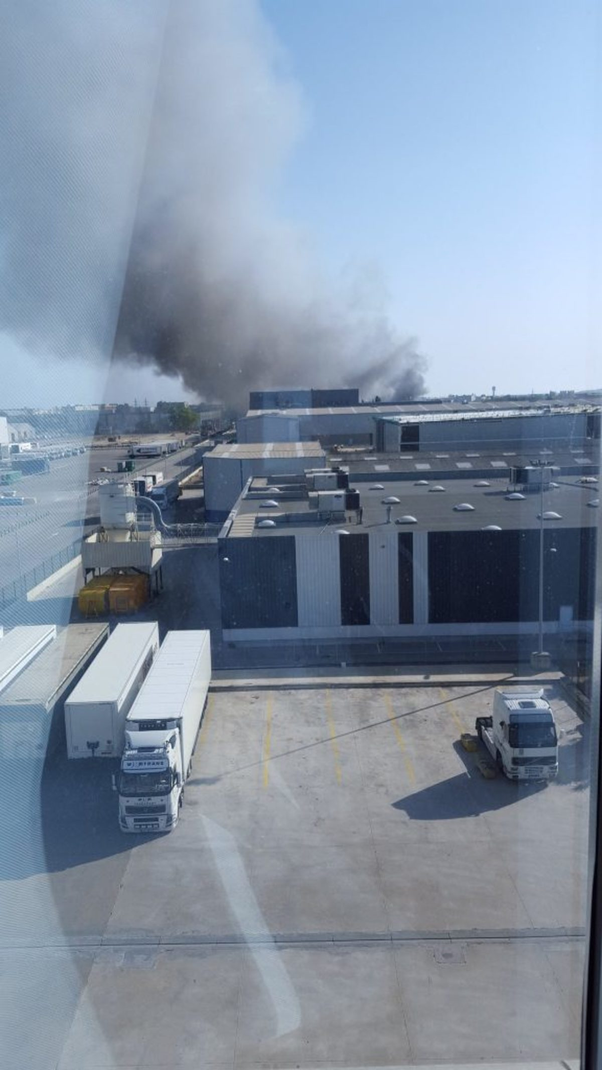 Φωτιά κοντά στο αεροδρόμιο της Βαρκελώνης!   Newsit.gr