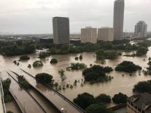 Χάρβεϊ: Μετά τις πλημμύρες τρέμουν τις ασθένειες – Τι λένε οι ειδικοί