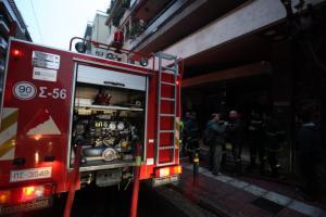 Φωτιά σε διαμέρισμα στην Πετρούπολη – Απεγκλωβίστηκαν πατέρας και κόρη