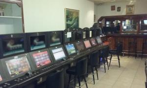 Εξαρθρώθηκε κατάστημα με παράνομα «φρουτάκια» στην Αττική