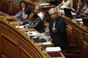Σημαιοφόροι με κλήρωση – Γαβρόγλου: Η σημαία δεν πρέπει να είναι βαθμολογικό έπαθλο