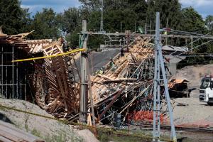12 νεκροί στην Σουηδία από κατάρρευση γέφυρας [pics]