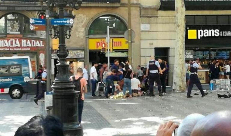 LIVE: Τρομοκρατική επίθεση στη Βαρκελώνη! Βαν παρέσυρε πεζούς | Newsit.gr