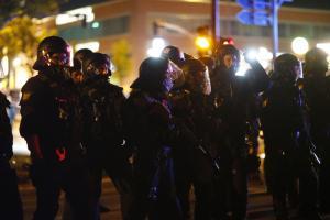 Γερμανία: Συγκρούσεις μεταξύ αστυνομικών και μεταναστών που κατηγορούνται για σεξουαλικές επιθέσεις