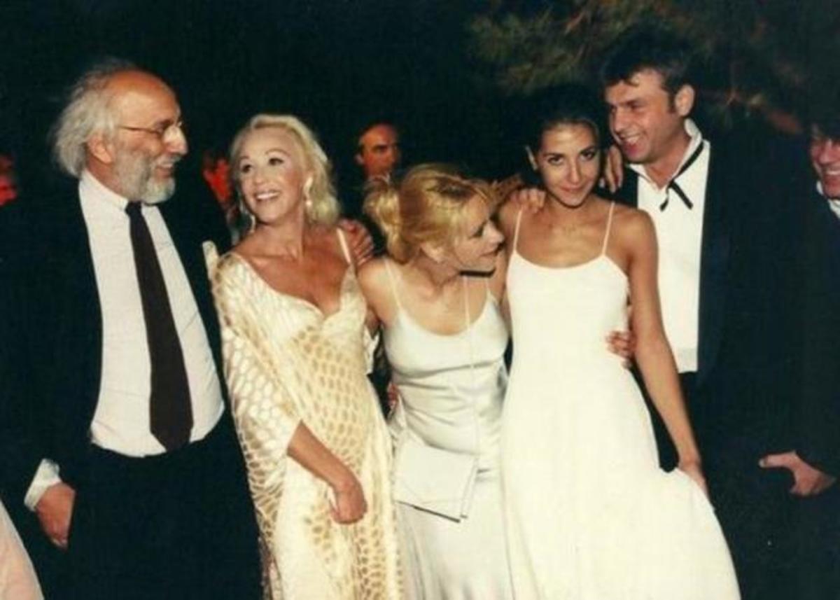 Απόστολος Γκλέτσος: Ο πρώην γαμπρός της Ζωής Λάσκαρη την αποχαιρετά με τα πιο γλυκά λόγια!   Newsit.gr