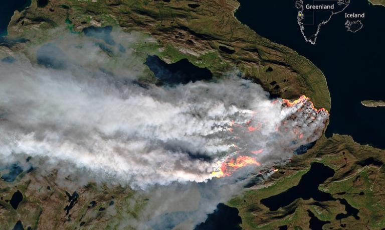 Φωτιά μέχρι και… στον Βόρειο Πόλο – Στις φλόγες δύο περιοχές της Γροιλανδίας [pic] | Newsit.gr