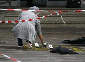 Αμβούργο: Έξαλλος ο δήμαρχος με τον δράστη της αιματηρής επίθεσης! [pics]