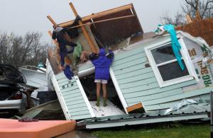 Χάρβεϊ: Τρομακτικές οι εκτιμήσεις για τις ζημιές – Εξασθενεί η τροπική καταιγίδα