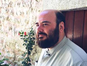 Βάσεις 2017: Επανέρχεται ο ιερέας που συνεχάρη τον γιο του παρά την αποτυχία στις Πανελλήνιες!