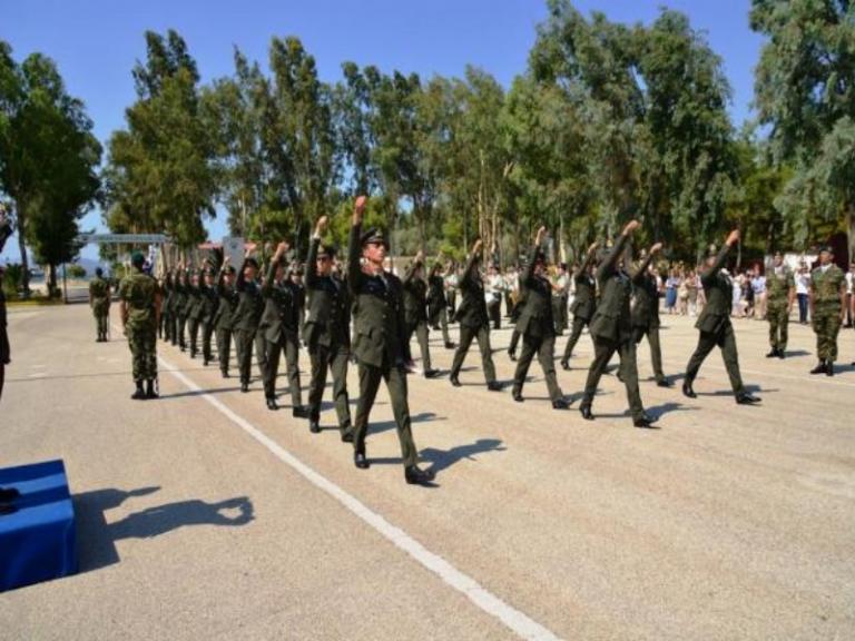 Αυτοί είναι οι νέοι απόφοιτοι της Σχολής Αλεξιπτωτιστών![pics] | Newsit.gr