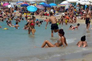 Καιρός – καύσωνας: «Ζεματίστηκαν» Ηράκλειο, Λάρισα και Σπάρτη – Αποπνικτική ατμόσφαιρα στην Αθήνα