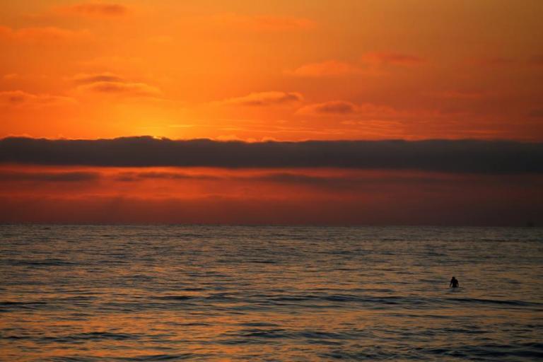 Καιρός για παραλίες! Συνεχίζεται ο καύσωνας την Πέμπτη   Newsit.gr