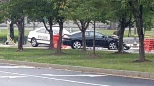 Συναγερμός στο Καπιτώλιο: Ύποπτο αυτοκίνητο τραυμάτισε αστυνομικό